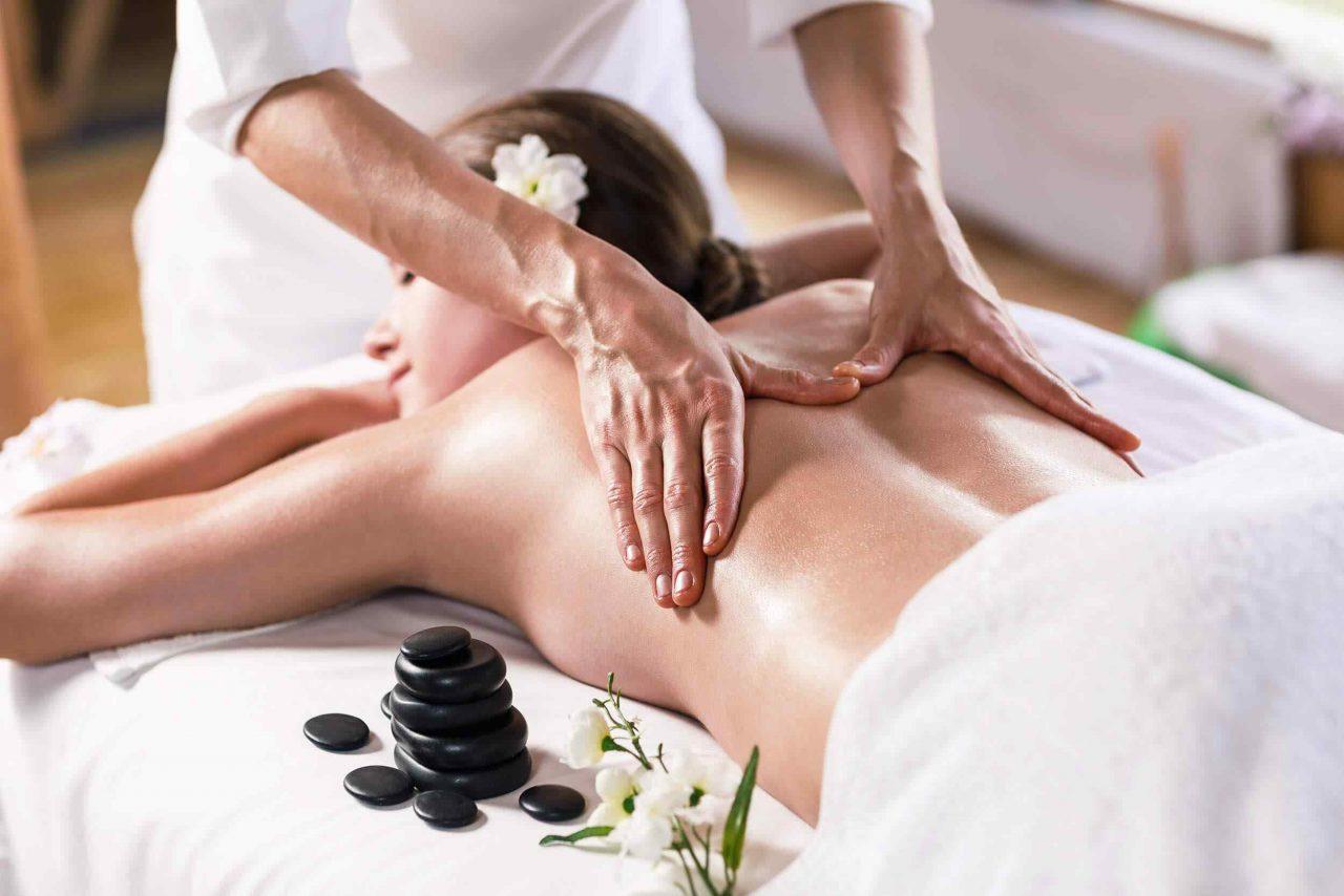 https://skondalshudvard.se/web/wp-content/uploads/images/behandlingar/massage.jpg